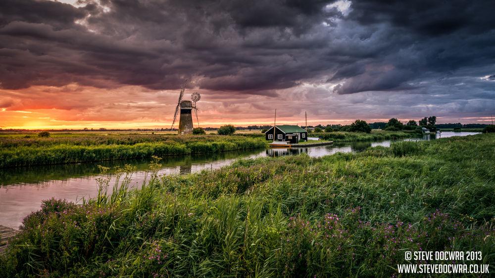 Sunset on the Norfolk Broads by stevedocwra