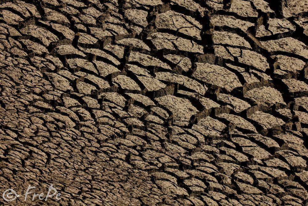 Textures , about erosion land.  by Fredy Peñaloza