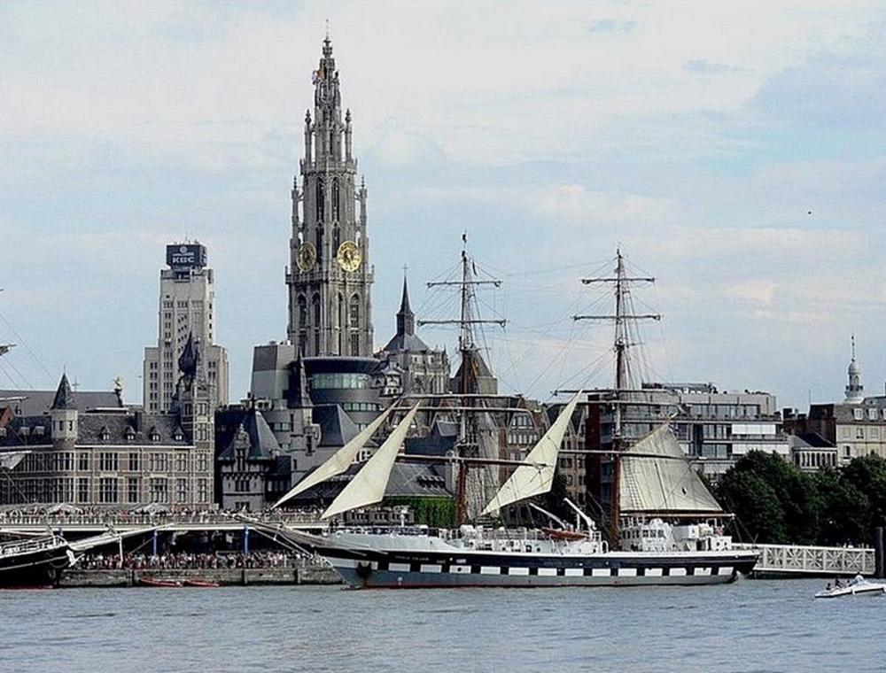 2008 Antwerpen  by marenka