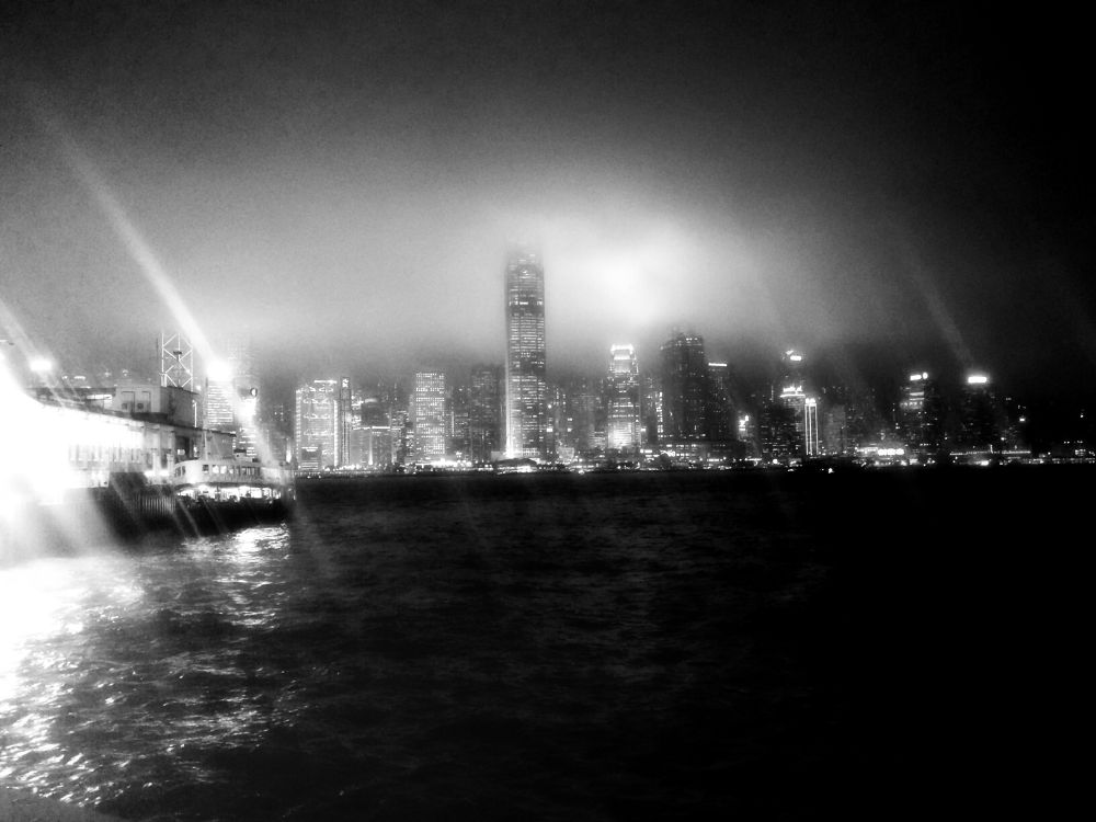 hongkong_bw by leocary