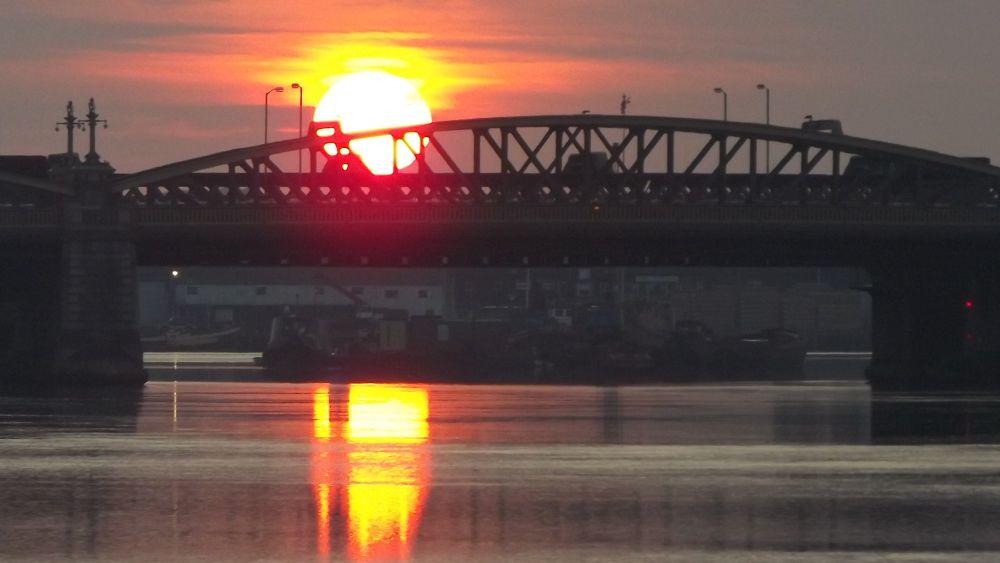 15 july a medway sunrise by boatystevegraphics