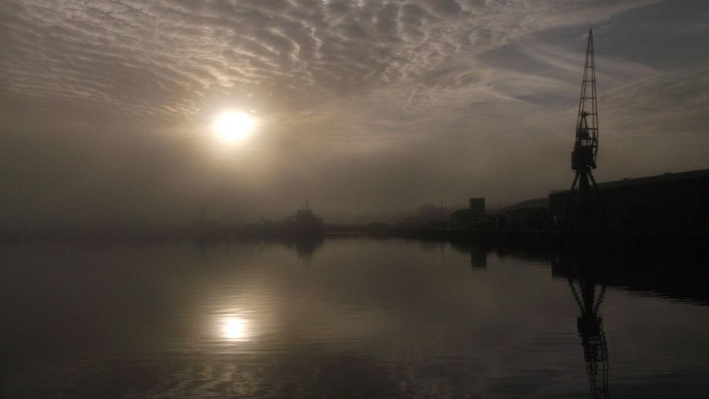 18 oct  sunrise over chatham docks by boatystevegraphics