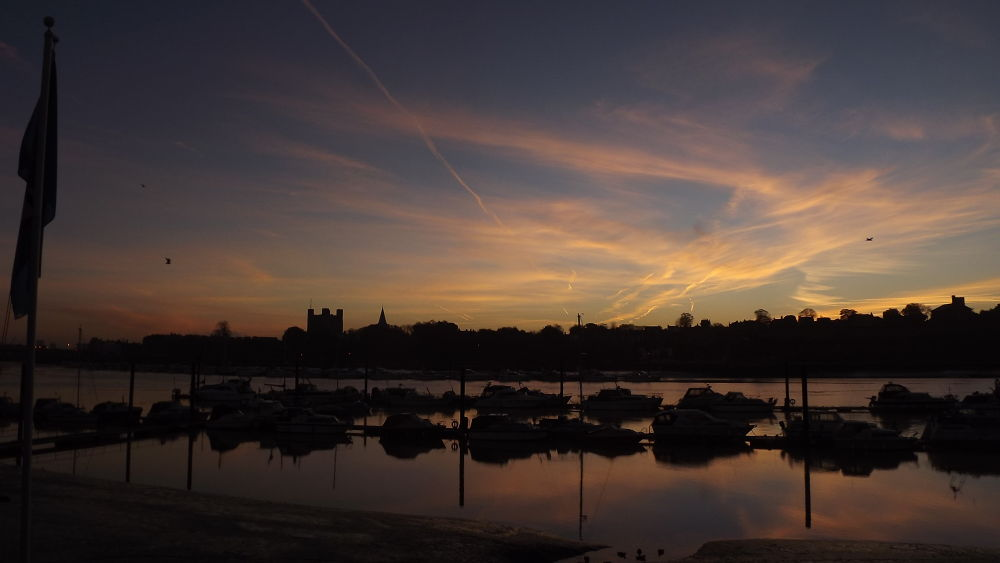 16 nov beautiful but chill morning. by boatystevegraphics