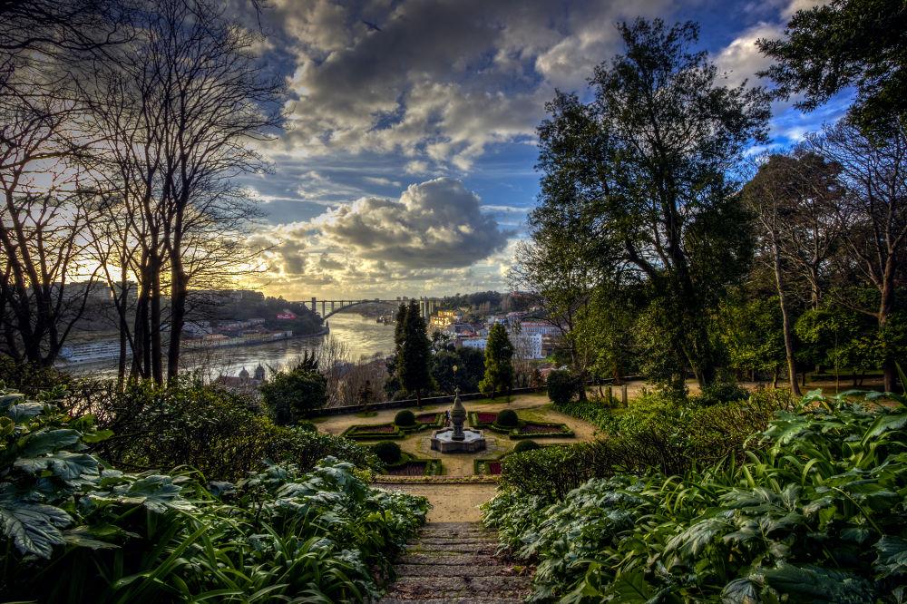 A piece of heaven by Jorge Rocha