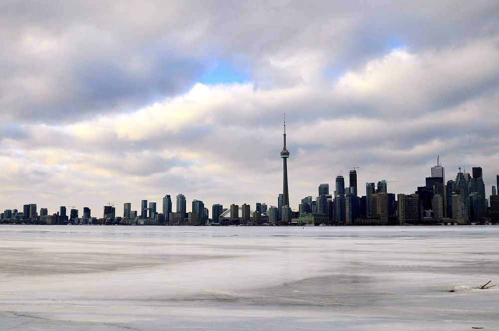 Frozen Toronto harbour by leo_li