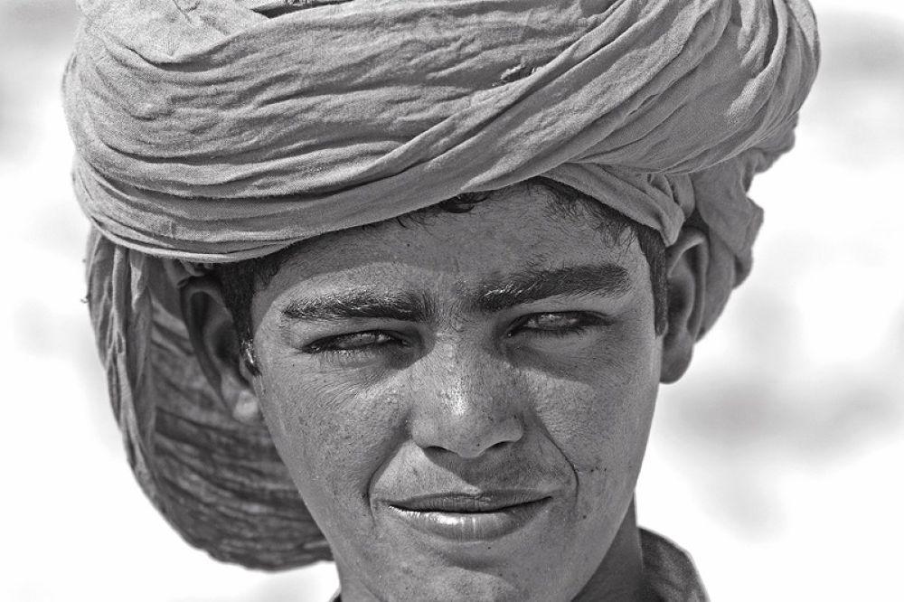 Le jeune bédouin  by Bachir Fourar