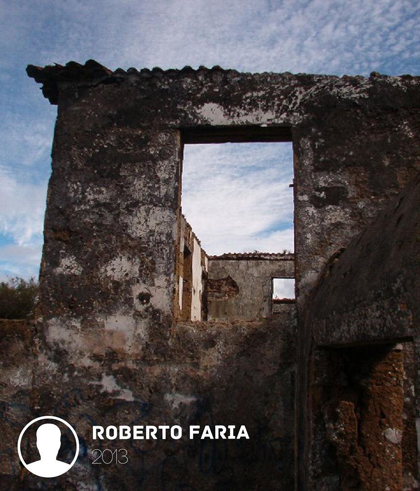 Window by Roberto Mendonça Faria