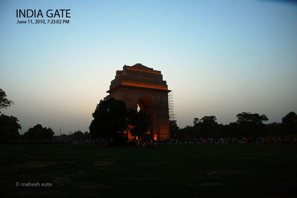India Gate - 4.jpg by maheshaute