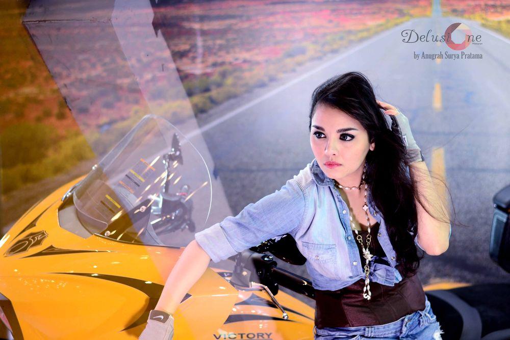 Woman by Anugrah Pratama