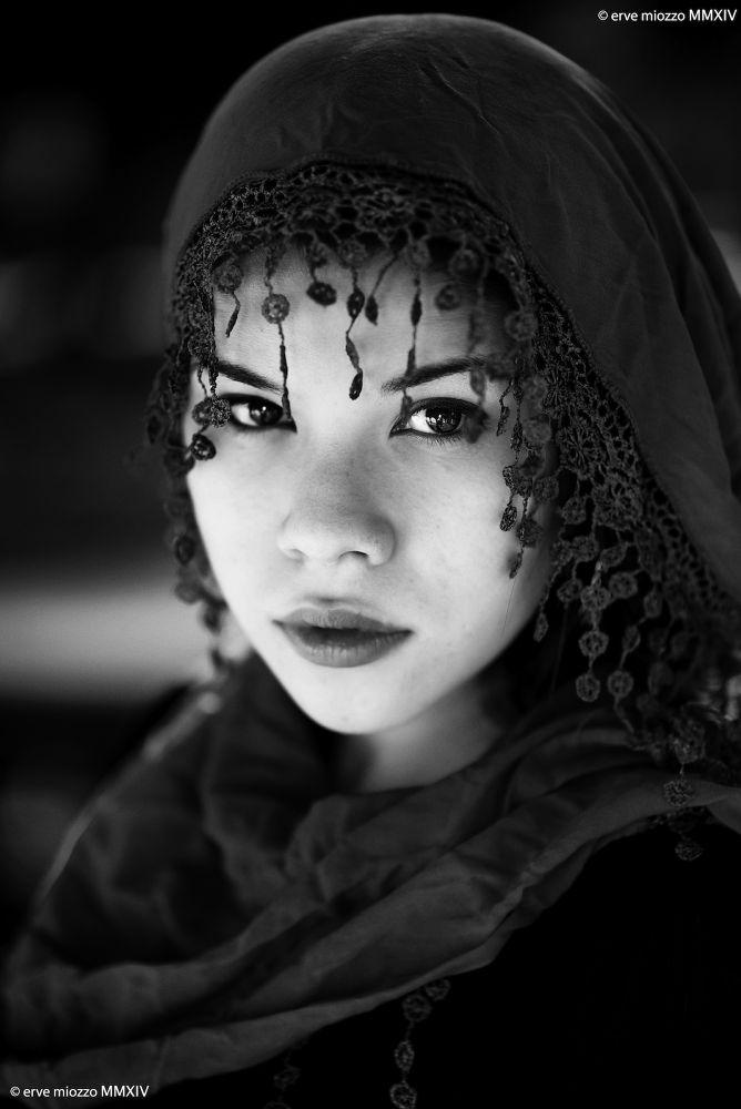 Eva by Erve Miozzo