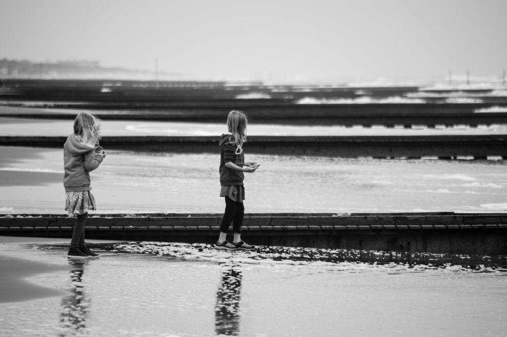 Children at the beach - 2 by Stefania Parise