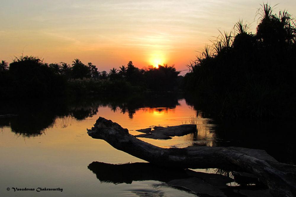 Beauty of Sunset by vasudevanchakravarthy