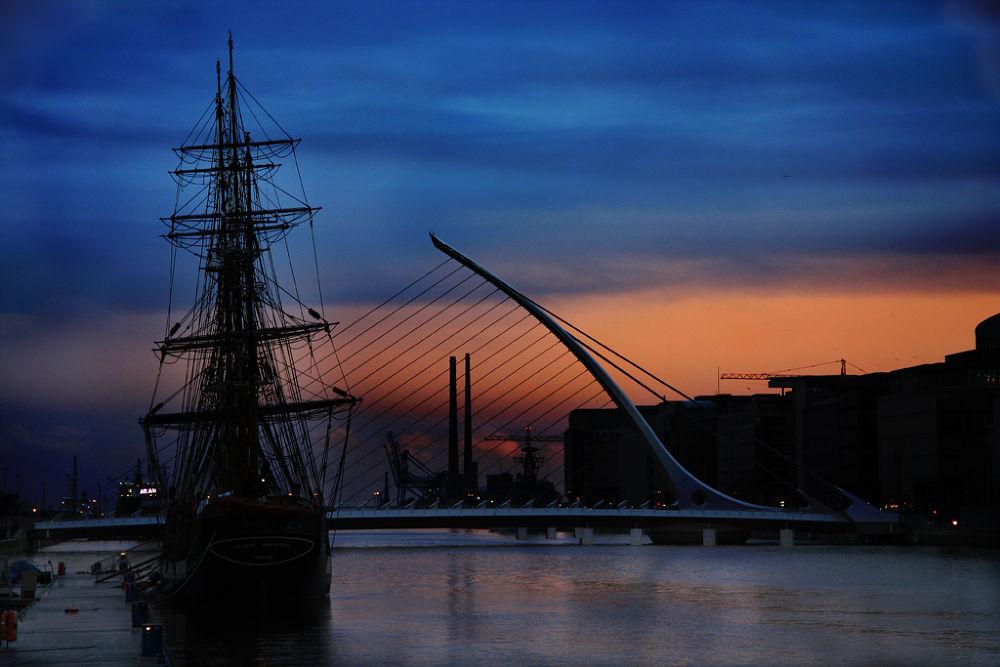 Famine Ship, Dublin by Acapella