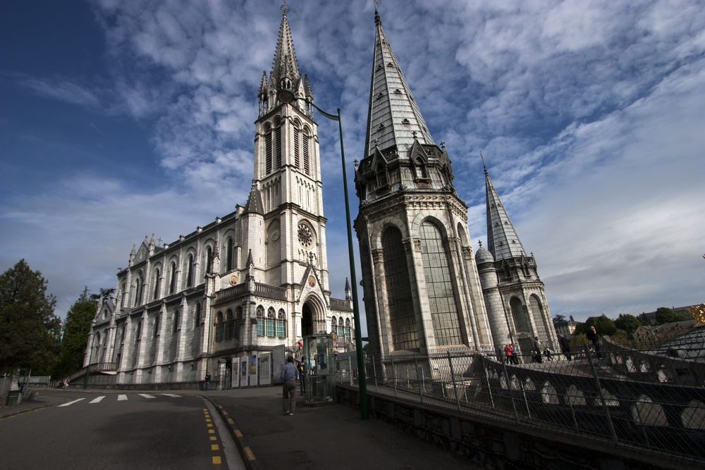 Lourdes by Angelo Monchieri
