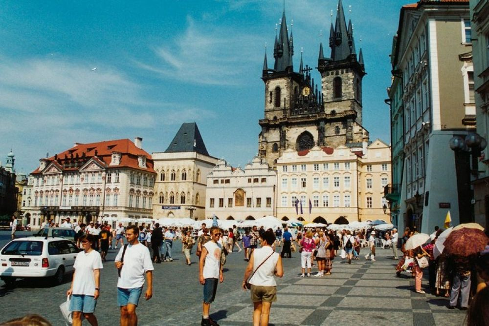 Czech_Republic_Praha_1994-100 by Arie Boevé