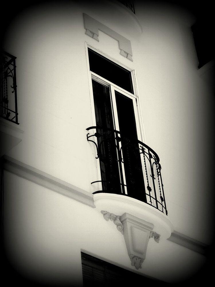 balcon ovalado bn by javier