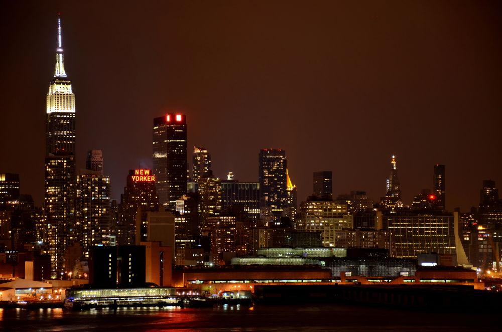 night lights of New York by Sheffi M.