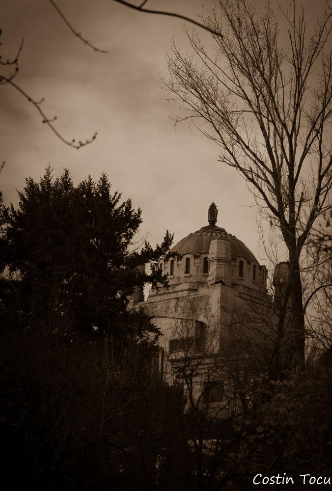 Spooky... by CostinMarius