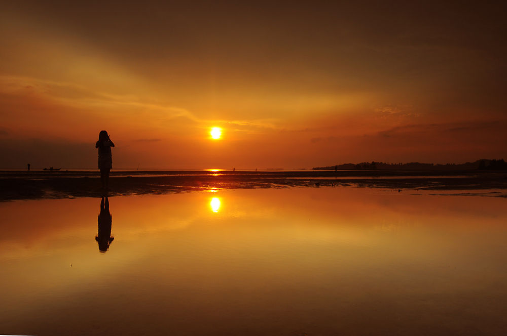 waiting sunset by endrawahyudi