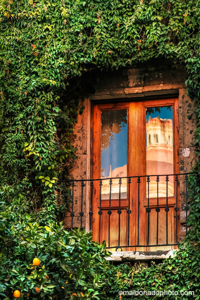 Midday inn San Migue de Allende by Pepe Maldonado