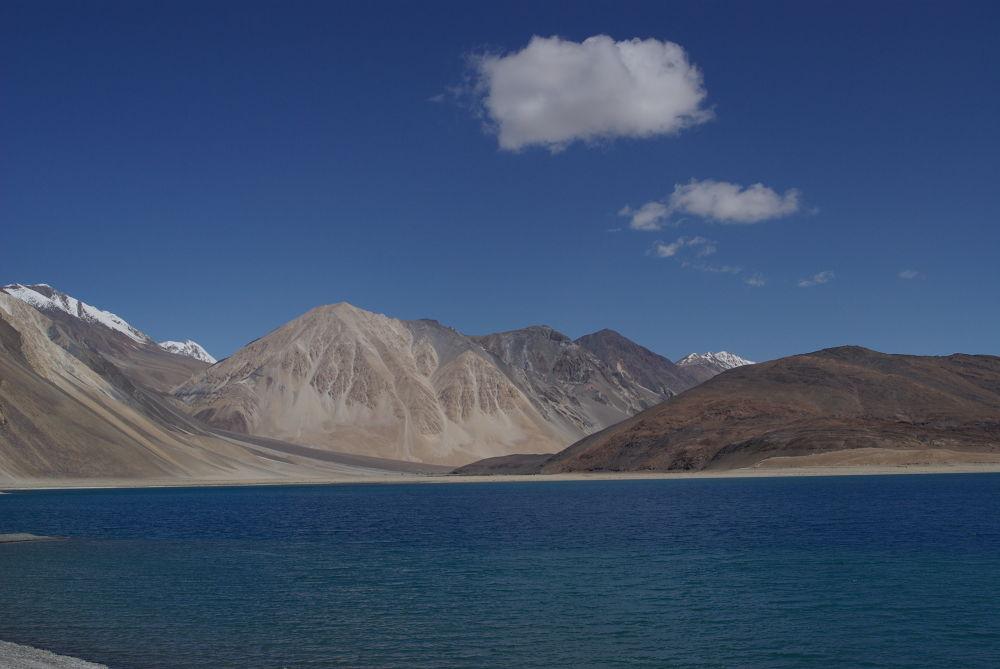 Pangong Lake Ladakh by Thibaud Scarpa
