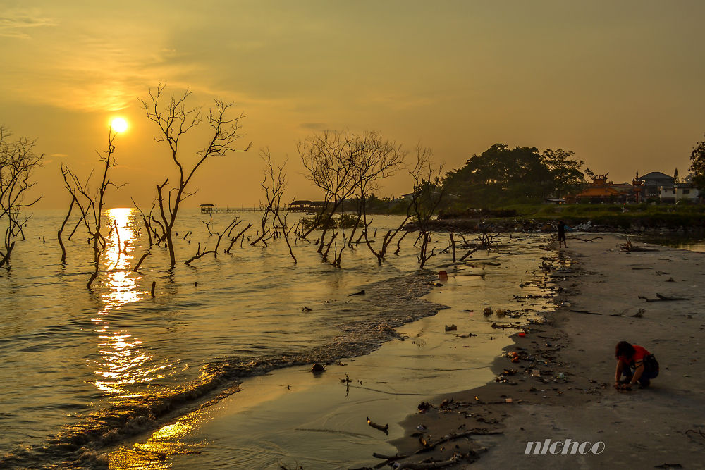 Sunset at Tanjung Sepat by nlchoo