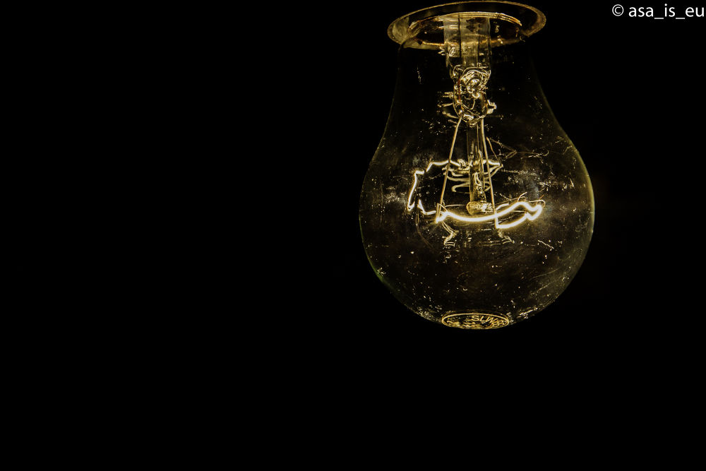 The light by Lore Dascalu