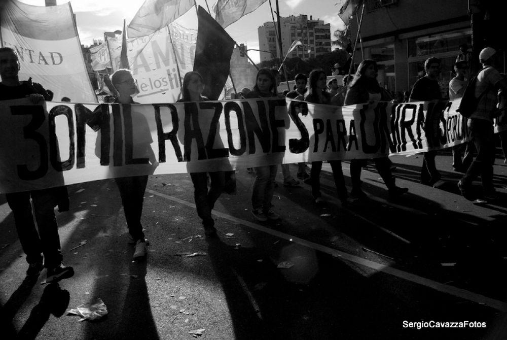 """""""30 MIL RAZONES"""" by Sergio Cavazza"""