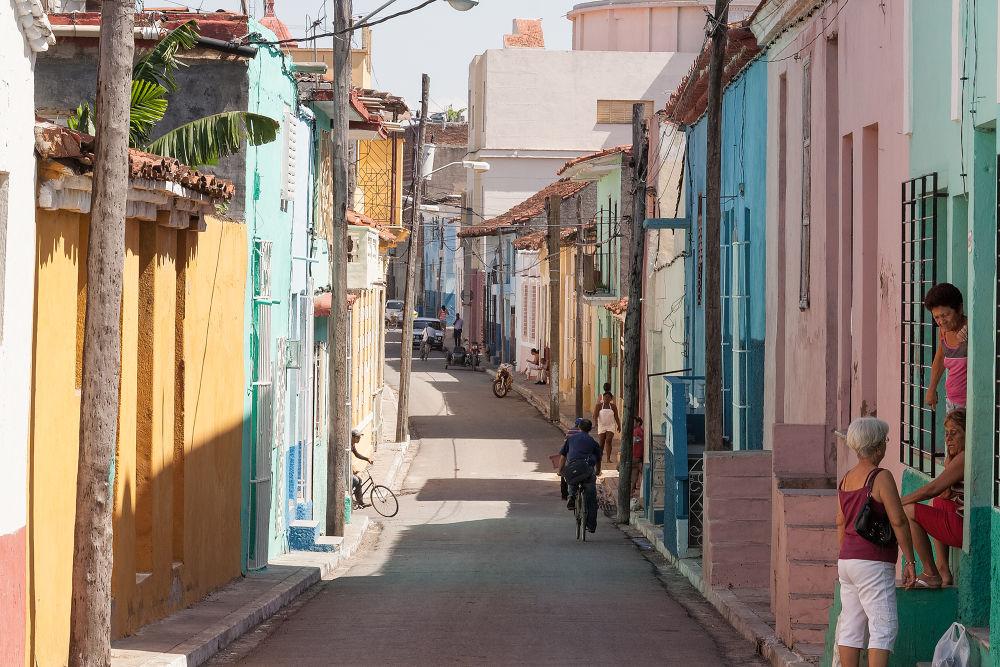 Street of Cuba by Patrice Sarzi