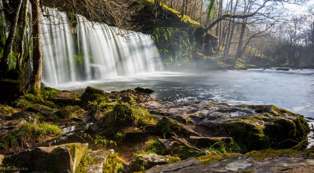 Waterfall Mist by Noel Bevan