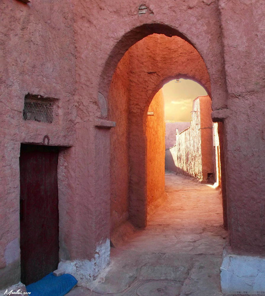 Passage in the ksar. by Samir Sami