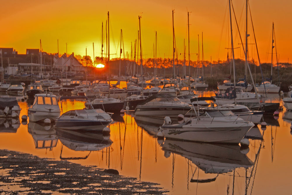 Sunrise at Christchurch Harbour. by simon