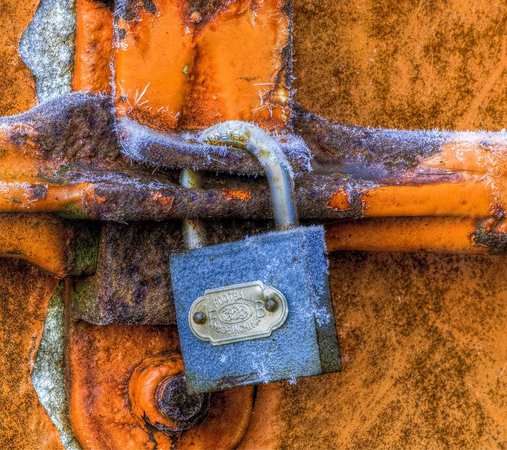 Cold Lock by Rob van der Griend