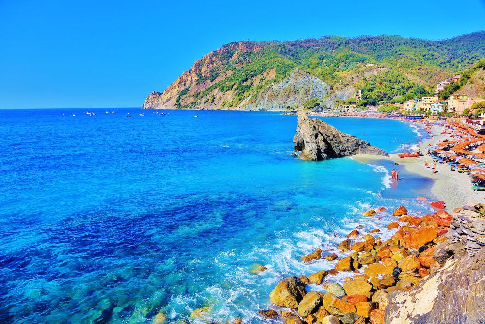 Vernazza, Italy by yellowstar