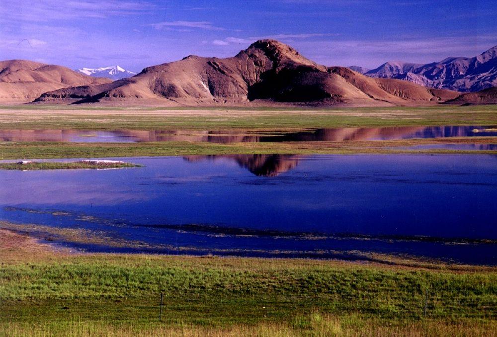 Bangong lake, Tibet by Jianmiao He
