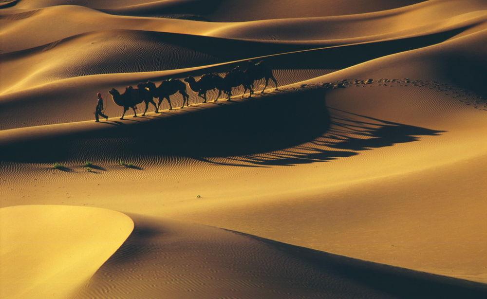 Badain Jaran Desert by Jianmiao He