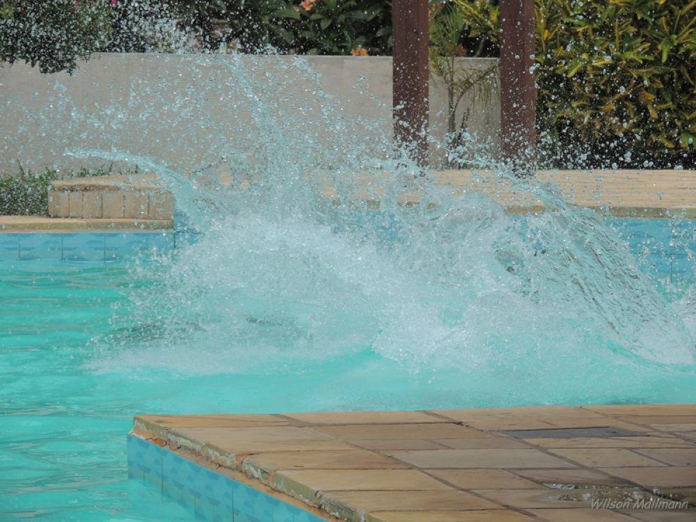 Pool by Wilson Mallmann