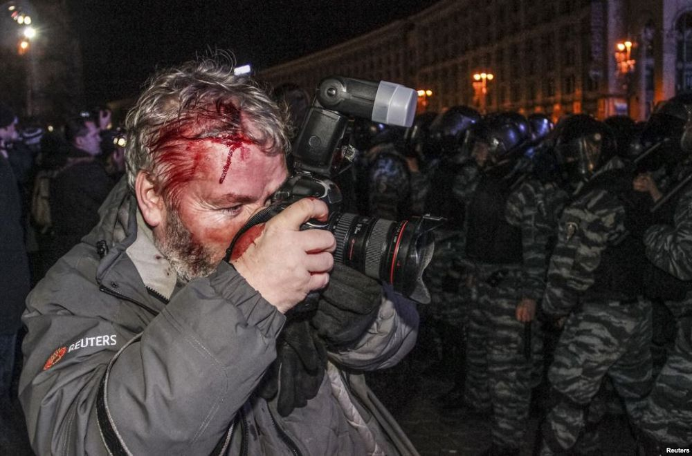 19/02/2014  Kyiv, Ukrain by Tatyana Homenskay
