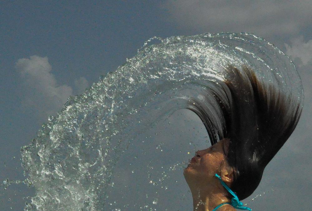 Feeling water by Paulo Nobre
