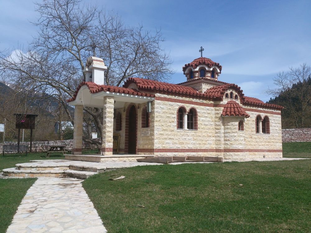 small church - Karpenisi Evrytanias (by Delis) by Delis
