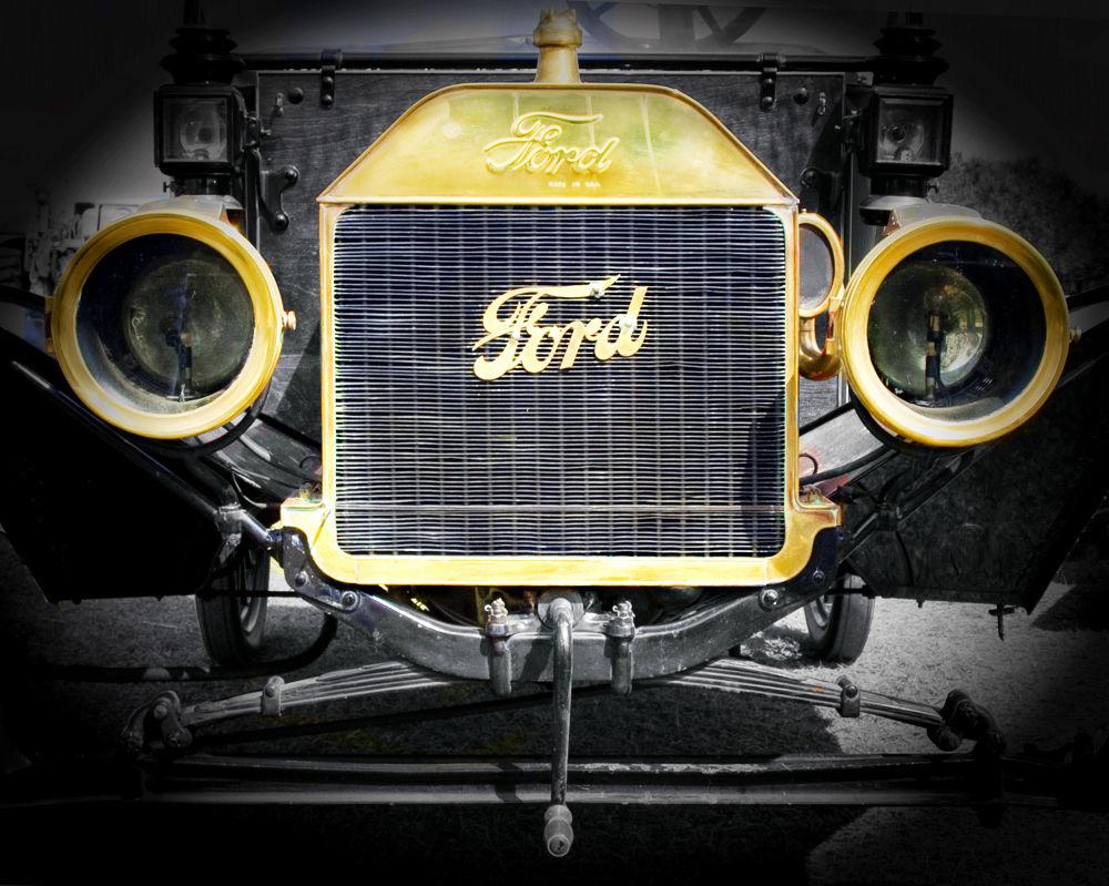 Model T Ford by Joe Saladino