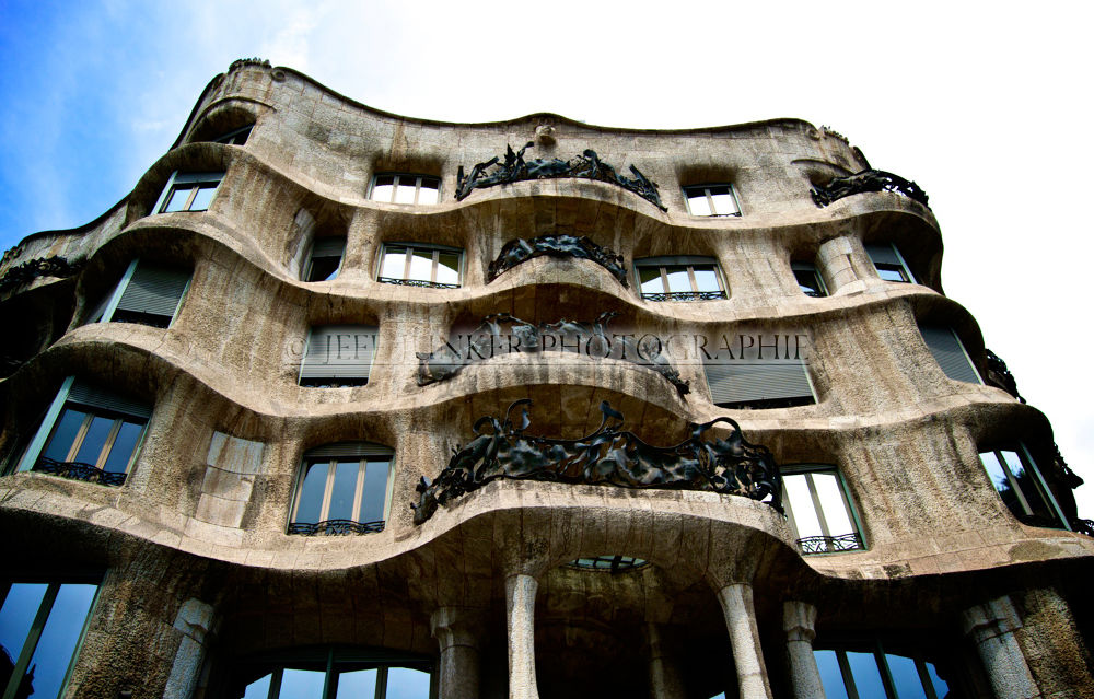 Casa Batlló - House of Bones by Jeff Junker Photographie