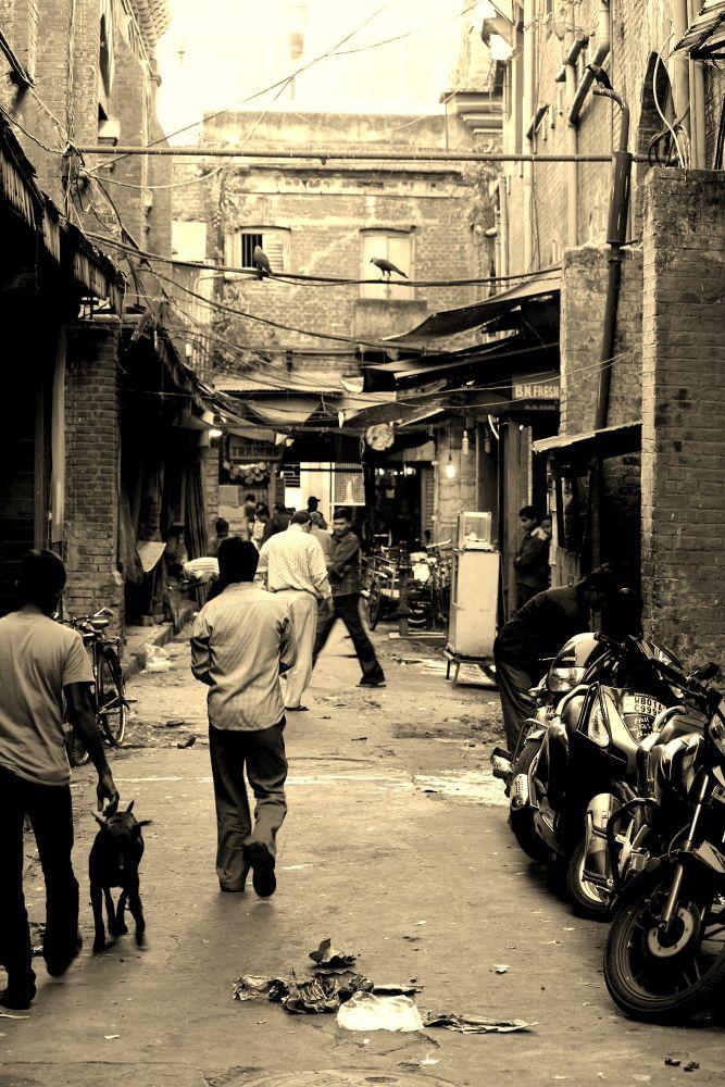 streets by Shuvarthy Chowdhury