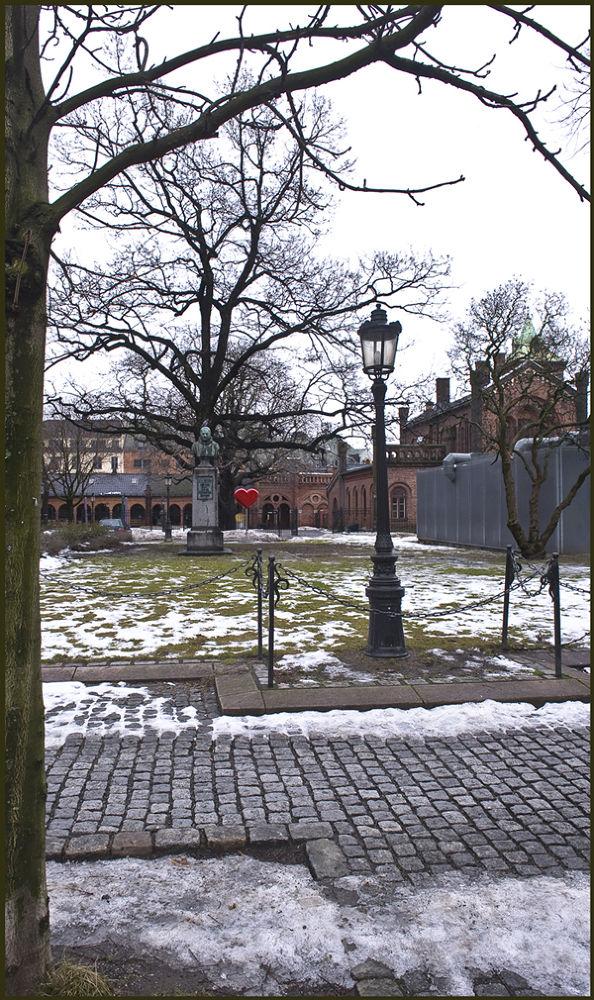 Flowers left- killerAnders Behring Breivik, Oslo by Svein Walther Hiis