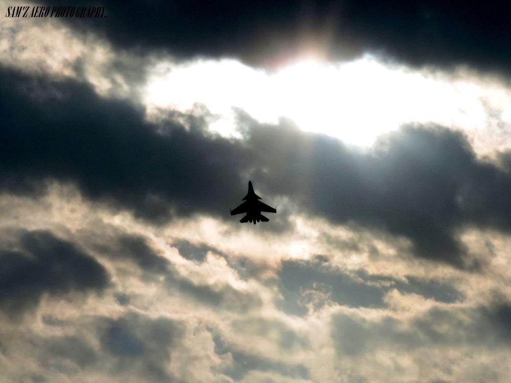 SUKHOI 30 MKI takes off from base! by Shyamonto Hazarika