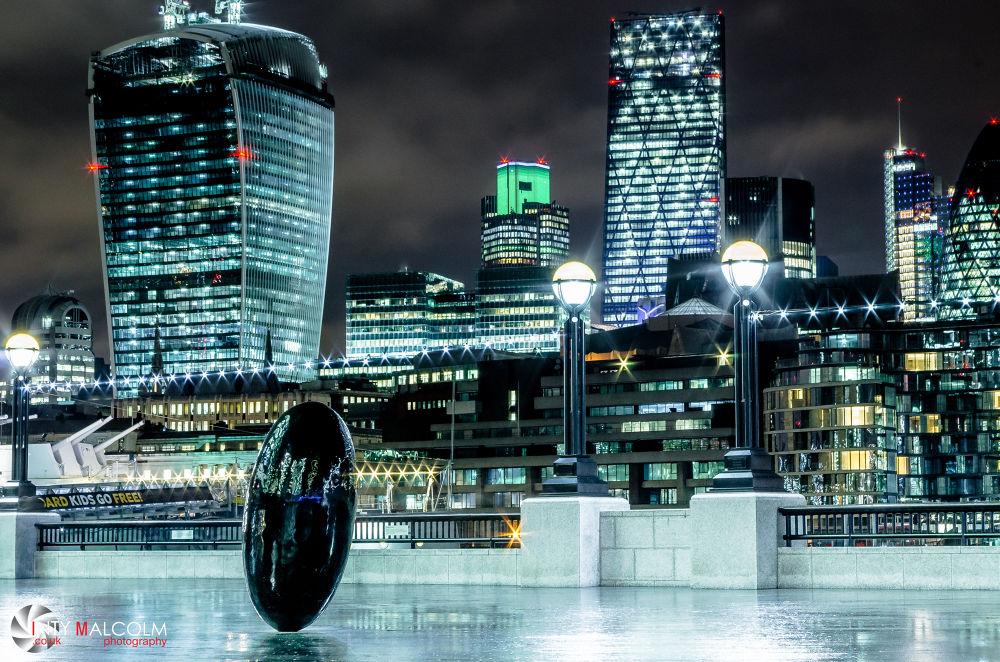 Bright lights, big city by Inty