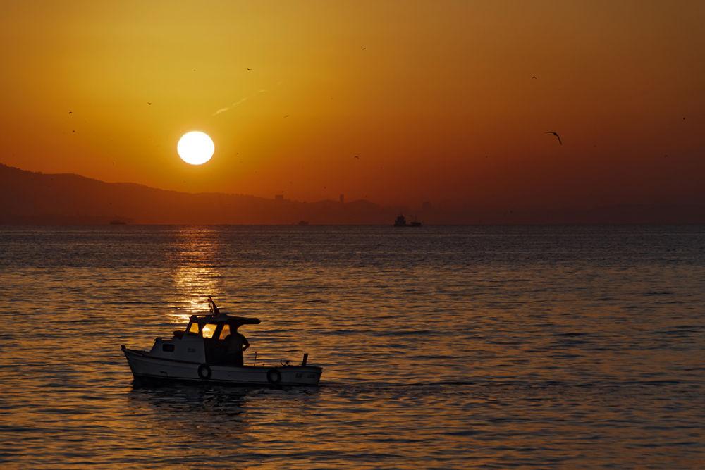 sunrise by Yılmaz Savaş Kandağ