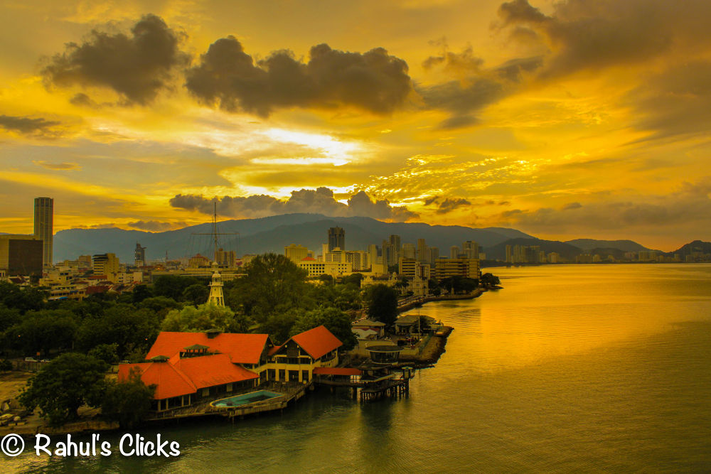 Sun Set in Singapore by Rahul Bakshi