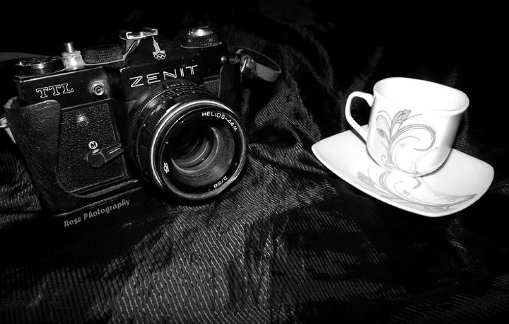 Enjoy Coffee & Photography :)) by Rosee warda