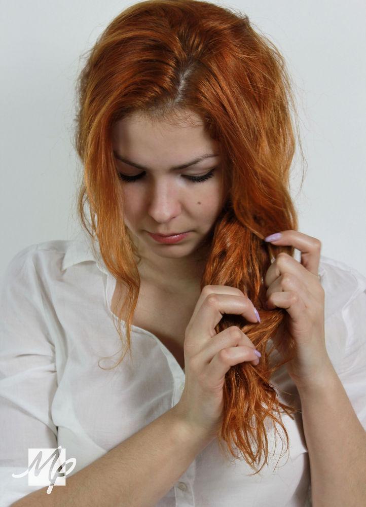 girl by Valéria Peková